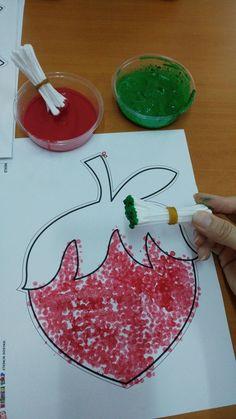 Flower Pom Pom Painting Craft for Kids – Sassy Dealz Diy For Kids, Crafts For Kids, Arts And Crafts, Paper Crafts, Toddler Art, Toddler Crafts, Toddler Learning Activities, Preschool Activities, Summer Crafts