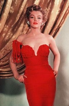 marilyn monroe in hot sexy red gown
