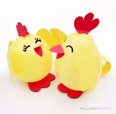 How to make a cute chicken spring craft with paper and balloons in 10 minutes or less. Perfect fun for the Easter holidays, school or afterschool crafting