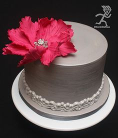 Tutorial: Fast Big Statement Flower ready in 24 hours - by Ciccio One Tier Cake, Single Tier Cake, Cake Decorating Techniques, Cake Decorating Tips, Gorgeous Cakes, Pretty Cakes, Fondant Cakes, Cupcake Cakes, Just Cakes