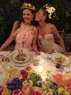 Giovanna with her sister, the bag designer Sara Battaglia.