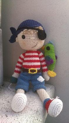 Muñeco amigurumi. www.facebook.com/mrcatcreaciones #amigurumi #muñecos ganchillo