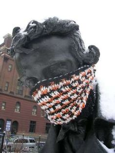 even statues gotta stay warm; yarn bombing