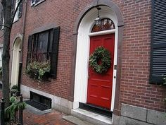 sucker for red front doors and black shutters. so common, but so classy
