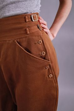 1930s pants. 1930s equestrian jodhpurs. vintage cropped riding pants. Derby Girl
