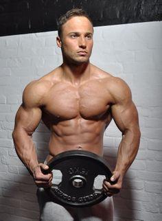 Male Fitness Models, Fitness Inspiration Body, Fitness Studio, Mens Fitness, Workout Programs, Gym Equipment, Sports, Wordpress, Facebook