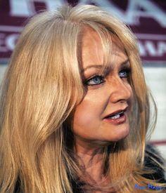 Bonnie Tyler #bonnietyler #2000s #gaynorsullivan #gaynorhopkins #thequeenbonnietyler #therockingqueen #rockingqueen #music #rock