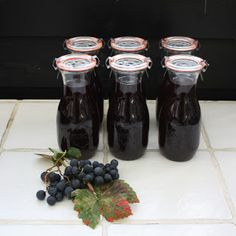 HAVEFOLKET: GLÆDENS DRUER Grape Juice, Smoothies, Food And Drink, Canning, Drinks, Ethnic Recipes, Desserts, Juices, Syrup