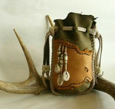 DEER IN the WOODS Medicine Bag / Spirit pouch Deerskin leather, antler, lots of antique trade beads Leather Pouch, Leather Purses, Mojo Bags, Medicine Bag, Beaded Purses, Deer Skin, Leather Projects, Larp, Leather Working
