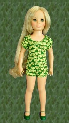 I loved my Kerry even more than my Crissy doll. And I so remember this green jumper.