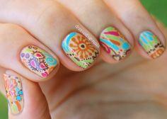 Hermoso estilo de uñas hippie