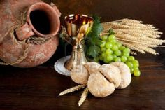 Christian Teachings According To God's Word And The Life Of Jesus – CurrentlyChristian Church Flower Arrangements, Church Flowers, Catholic Feast Days, Church Altar Decorations, Lords Supper, Holy Thursday, Maundy Thursday, First Holy Communion, Wedding Centerpieces