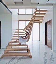 Our spiral staircase photography post already proved that even something as mundane as stairs can be absolutely beautiful. We decided to expand on that theme and show you the 22 coolest examples of staircases and step design that we could find.