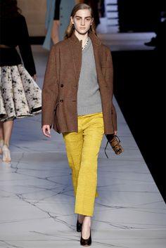 Sfilata Rochas Paris - Collezioni Autunno Inverno 2013-14 - Vogue