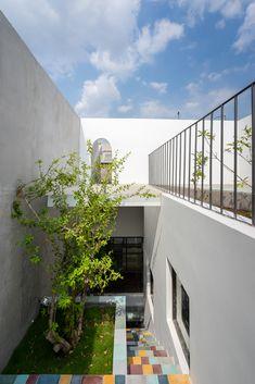Gallery of Up2green / 2305 studio - 4