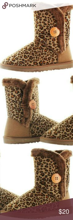Moda Essential short button boot Faux sheepskin boots which has a unique leopard pattern. Furry inside for a much warmer comfort! Brand new, still in it's clear package!!! The boots are size 9, but a size 8 - 8 1/2 can also comfortably wear it. Moda Essential Shoes Winter & Rain Boots