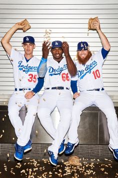Two dramatic streaks will define the Dodgers' 2017 season -- unless they can pull off something even more memorable in October. Dodgers Baseball, Dodgers Party, Dodgers Nation, Let's Go Dodgers, Dodgers Girl, Baseball Boys, Better Baseball, Baseball Players, Puig Dodgers