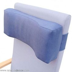 Reposacabezas ergonomico para un apoyo ajustado a las necesidades del descanso. Perfecto para ancianos, personas dependientes, tercera edad y geriátrico. Ajustable a todo tipo de respaldos. Indícanos las medidas de tu respaldo para que lo ajustemos a tus necesidades.  Puedes tapizar el reposacabezas a juego con tu asiento en cualquiera de los 2 acabados en tejidos vinílicos disponibles: Michigan y Gemini, cada uno de ellos en 20 atractivos colores diferentes.  Ref. COM000200