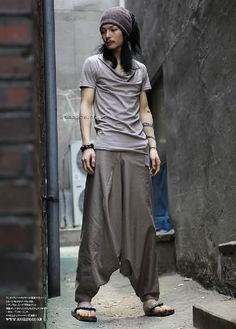 Japanese Samurai Style Mens Khaki Harem Pants. Post-apocalypse clothing / fashion / post-apocalyptic wear / male / dystopian / menswear / men's / style / looks