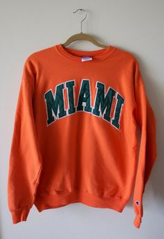Vintage University of Miami Sweatshirt by CapItOffVintage on Etsy Teenager Outfits, College Outfits, College Wear, School Outfits, Teen Fashion Outfits, Casual Outfits, Cute Outfits, Sweatshirt Outfit, Crew Neck Sweatshirt