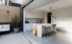 Living in Black and White: A Photographer's Urban Indoor/Outdoor House in South London | Remodelista | Bloglovin'