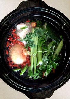 Recept na domácí vývar - fantastický : ) - DIETA.CZ Dieta Detox, Seaweed Salad, Crockpot, Slow Cooker, Low Carb, Beef, Ethnic Recipes, Instant Pot, Fitness