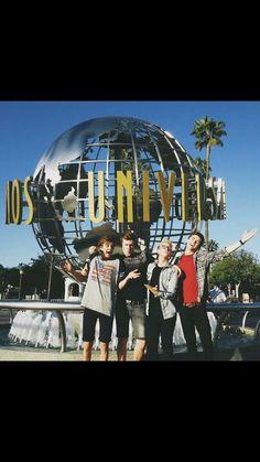 Joe Sugg, Oli White, Tyler Oakley, and Jordan at Universal Studios