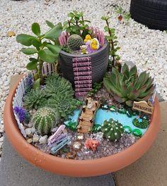 mini garden 62 DIY Miniature Fairy Garden Ideas to Bring Magic Into Your Home Fairy Garden Pots, Indoor Fairy Gardens, Dish Garden, Fairy Garden Houses, Miniature Fairy Gardens, Mini Cactus Garden, Suculentas Diy, Cactus Y Suculentas, Succulent Gardening