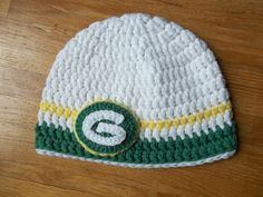 http://www.ravelry.com/patterns/library/green-bay-packers-logo-beanie