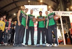 Nuestros jugadores del FIATC Joventut en el Festival de la Infancia #basket #sport