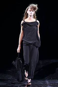 Yohji Yamamoto - Spring 2001 Ready-to-Wear - Look 11 of 35