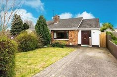 View our wide range of Houses for Sale in Kilpedder, Wicklow.ie for Houses available to Buy in Kilpedder, Wicklow and Find your Ideal Home. Semi Detached, Detached House, Garage Doors, Houses, Garden, Outdoor Decor, Home Decor, Homes, Garten