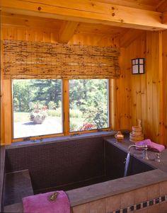 Mi piace l'idea della vasca come piscina, solo mattonelle senza vasca vera e propria...