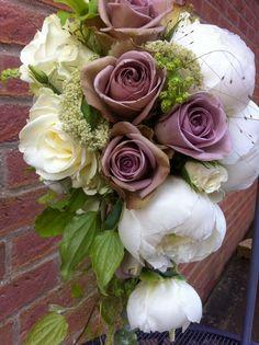 Amnesia rose & peonies shower bouquet