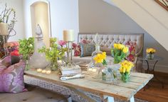Easter and spring table decoration by Regina Gust via Texas Home and Living magazine.  so pretty and fresh!