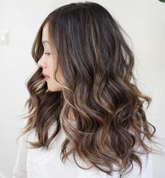 Natural-Looking Subtle Highlights For Brunettes