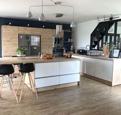 Exceptional modern kitchen room are offered on our internet site. Apartment Kitchen, Living Room Kitchen, Kitchen Interior, Rustic Kitchen, Kitchen Decor, Kitchen Ideas, Granite Kitchen, Küchen Design, Modern Kitchen Design