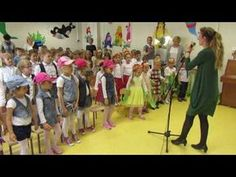 """Papuga kolorowa"" - zabawa - YouTube Impreza, Kindergarten, Preschool, Youtube, Diy, Logo, Videos, Amor, Music Instruments"