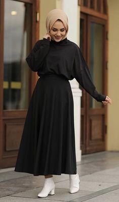 Source by onouini outfits hijab Hijab Fashion Summer, Modest Fashion Hijab, Hijab Style Dress, Modern Hijab Fashion, Street Hijab Fashion, Hijab Fashion Inspiration, Abaya Fashion, Muslim Fashion, Skirt Fashion