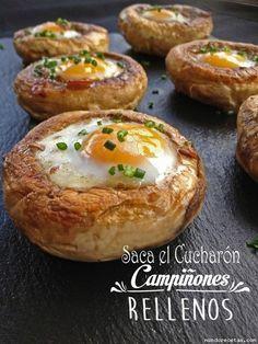 Champinones rellenos de jamon y huevos de codorniz