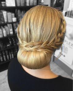 #blonde #nuttura #letti #kampaus #hiukset #modernsalon #behindthechair #hairdo #updo #hairstyles #blonde #braid #braids #braidedhair #hair #longhair #jaakata #hairbrained