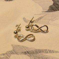 Najo Silver Infinity Earrings