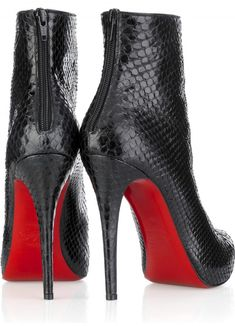 Manolo Blahnik Designer Boots...not really a shoe girl but damn these are cute