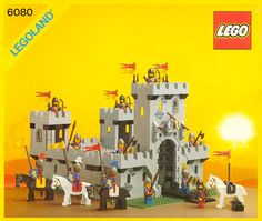 LEGO 6080 King's Castle Vintage Castle Set With Box and Instructions! Bionicle Heroes, Lego Bionicle, Vintage Lego, History Of Lego, Chateau Lego, Lego Burg, Lego Knights, Mundo Geek, Lego System
