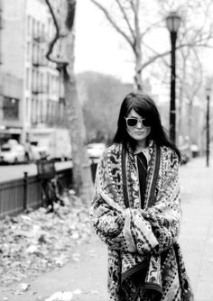 Alison Mosshart - that jacket! Badass Style, My Style, Boho Rock, Rock Chic, Alison Mosshart, Trending Sunglasses, Rock Outfits, Textured Hair, Style Guides