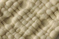 Decke gewebt mit kbT Wolle Gewebte Decke aus deutscher Merino Wolle und Coburger Fuchsschafwolle.