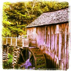 John P. Cable Mill in Cades Cove - #cadescove #tn #tennessee #greatsmokymountains #smokymountains #pigeonforge #cabinfevervacations
