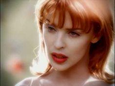0204. Nick Cave & Kylie Minogue | Where The Wild Roses Grow. Quando a poesia encontra a imagem: um dos clipes mais belos e simbólicos de todos os tempos. > http://ads.tt/1BLOC