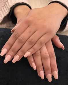 Pose en gel avec vernis semi permanent Www. New French Manicure, Fall Manicure, French Manicure Designs, French Nails, French Manicures, Dark Nails, Nude Nails, White Nails, Coffin Nails