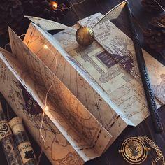 "paperbackbones: ""I solemnly swear that I'm up to no good. Harry James Potter, Harry Potter Tumblr, Harry Potter Pictures, Harry Potter World, Harry Potter Houses, Harry Potter Books, Hogwarts Houses, Estilo Harry Potter, Mundo Harry Potter"